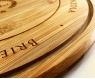 Kit - Tábua de bambu redonda 35 cm personalizada e faca para queijo 100