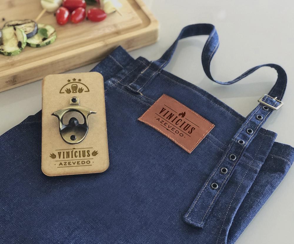 Kit Avental Jeans e Abridor de Cerveja Personalizado