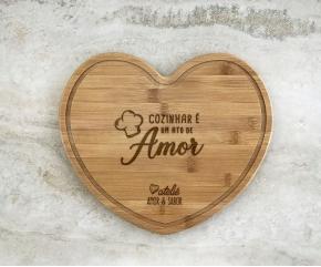 Tábua de Bambu Coração Personalizada