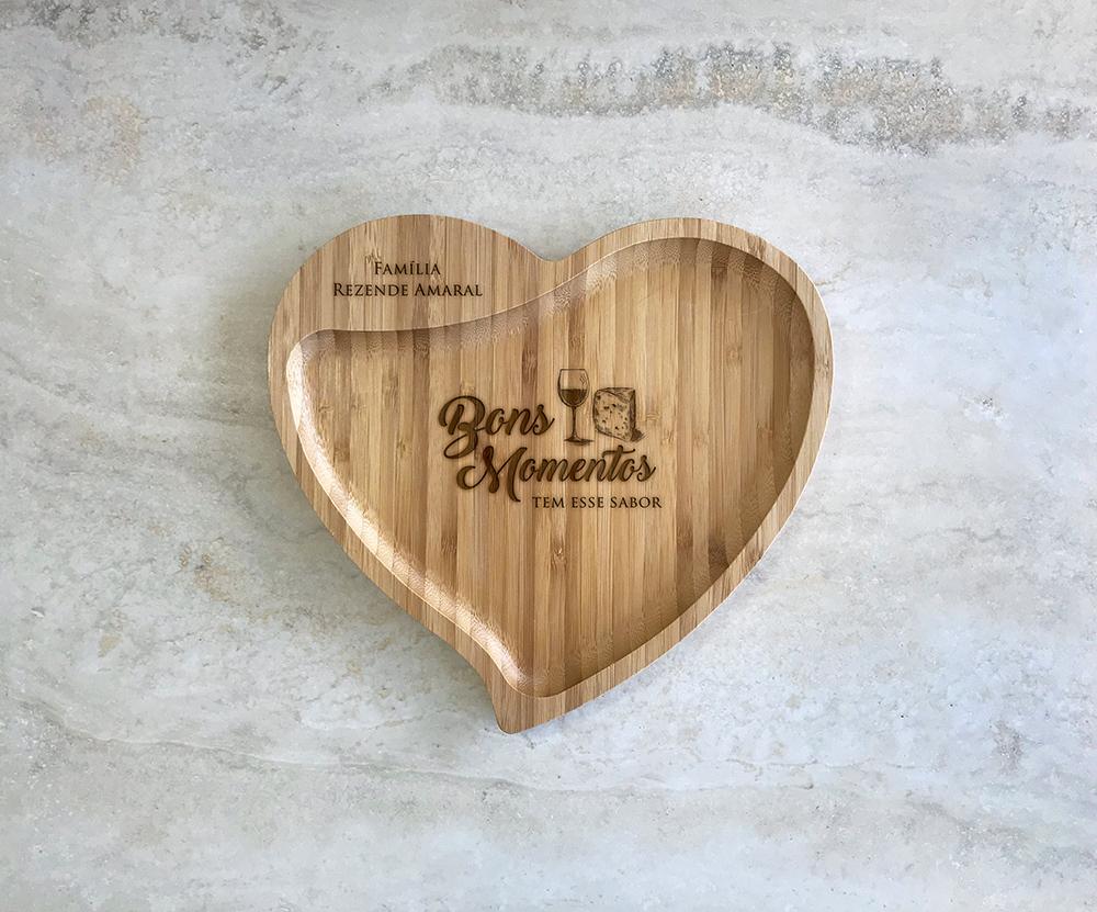Petisqueira de Bambu Coração Personalizada 03