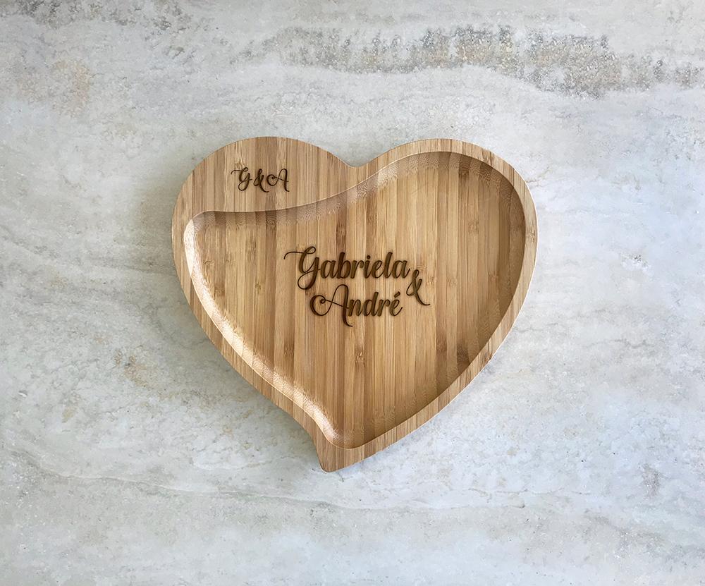 Petisqueira de Bambu Coração Personalizada 06
