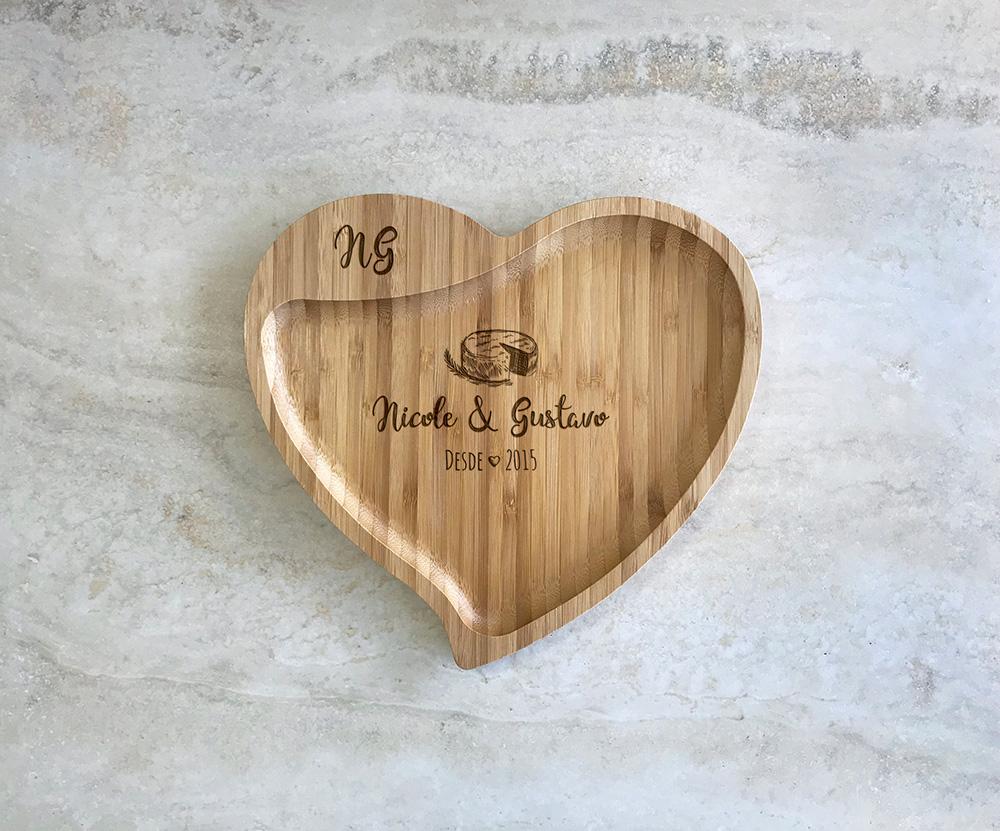 Petisqueira de Bambu Coração Personalizada 13