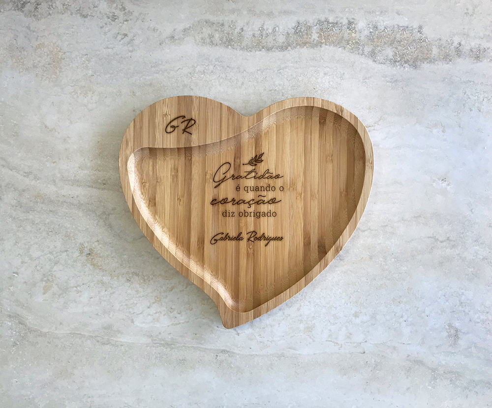 Petisqueira de Bambu Coração Personalizada 21