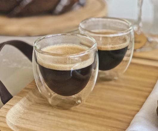 02 Copos para café com parede Dupla