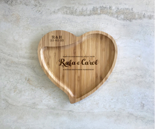 Petisqueira de Bambu Coração Personalizada Casamento