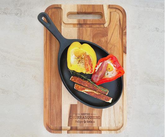 Tábua para Churrasco 44 x 28 cm com Alça em Teca Personalizada