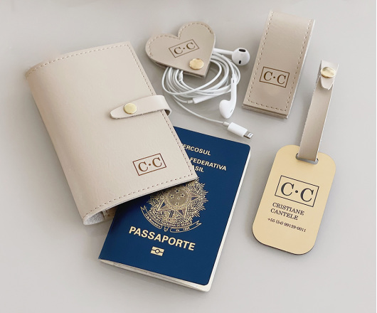Kit Viagem com Porta Passaporte Bege